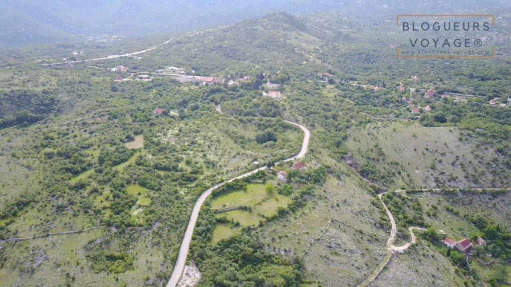 Vallee-monastere-ostrog